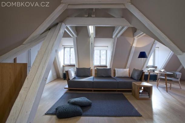 Interiér - Noblesní hra s prostorem ateliéru Ivana Dombková Architektura
