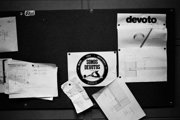 Designéři - Vo co de Devotu? Vo osvětu dětského nábytku i řemesla