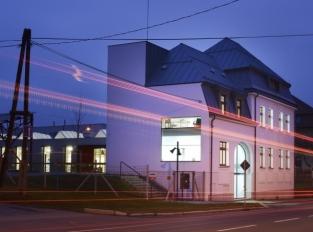 Industriální domov plastů v režii ateliéru Mjölk