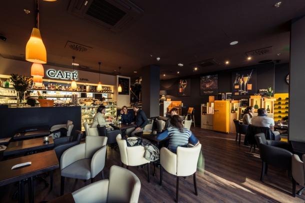 Bar / restaurace / café - Café Level – o stupeň lepší kavárna