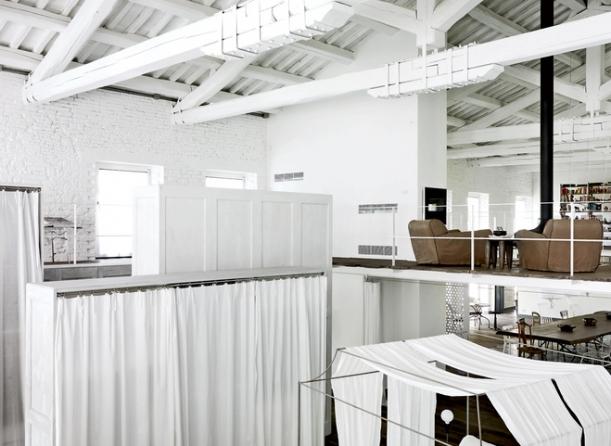 Interiér - Z opuštěné továrny moderním domovem