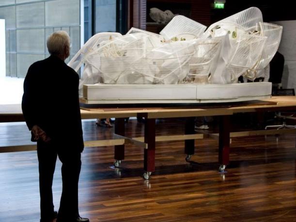 Výstavy - Fondation Louis Vuitton: Na vlnách Gehryho kubismu
