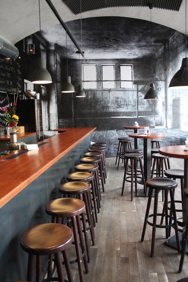 Bar / restaurace / café - K Hoffovi za koktejly, hudbou a nevšedním interiérem