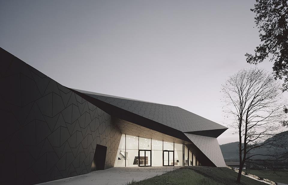 Koncertní hala pro Tyrolský festival od studia Delugan - Meissl