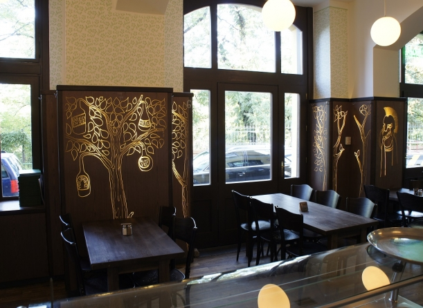 Bar / restaurace / café - Do hospody jako do galerie
