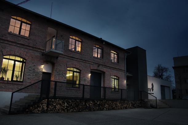 Doplňky - Kamnář Jan Temr: na rodinném bydlení se nemá šetřit