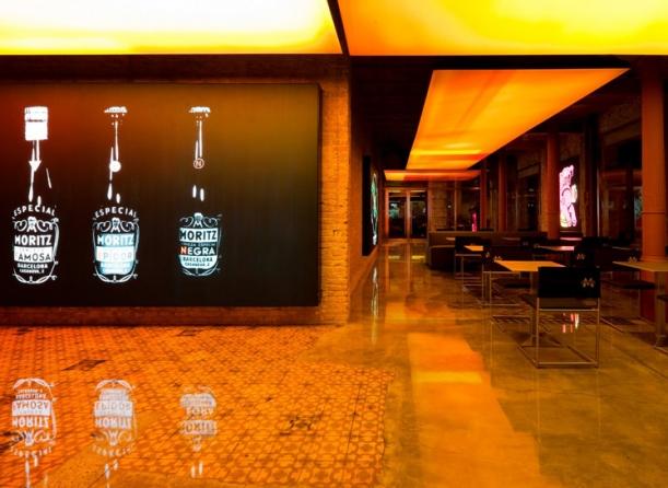Bar / restaurace / café - Na pivo s Jeanem Nouvelem