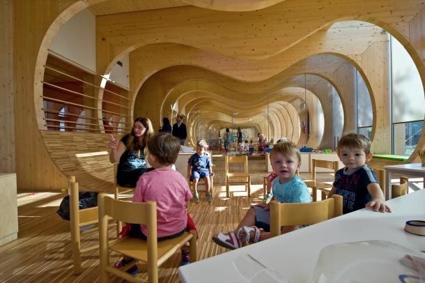 Další - Vztah dětí kpřírodě je přínosný, ukazuje školka od italských architektů
