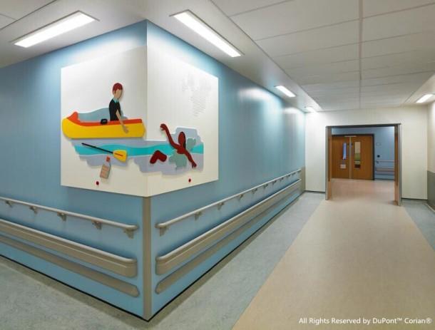 Komerční projekty - Glasgow boří bílou nemocniční nudu