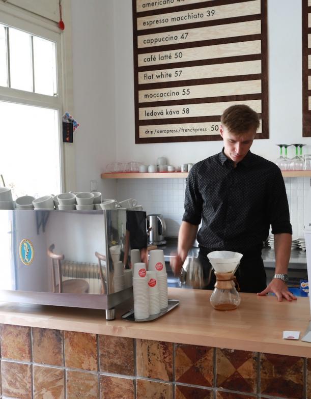Bar / restaurace / café - Original Coffee: Když se káva snoubí s designem
