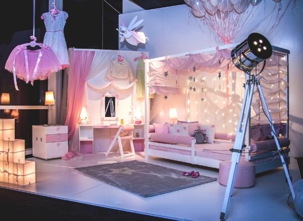 Nábytek - První velká postel