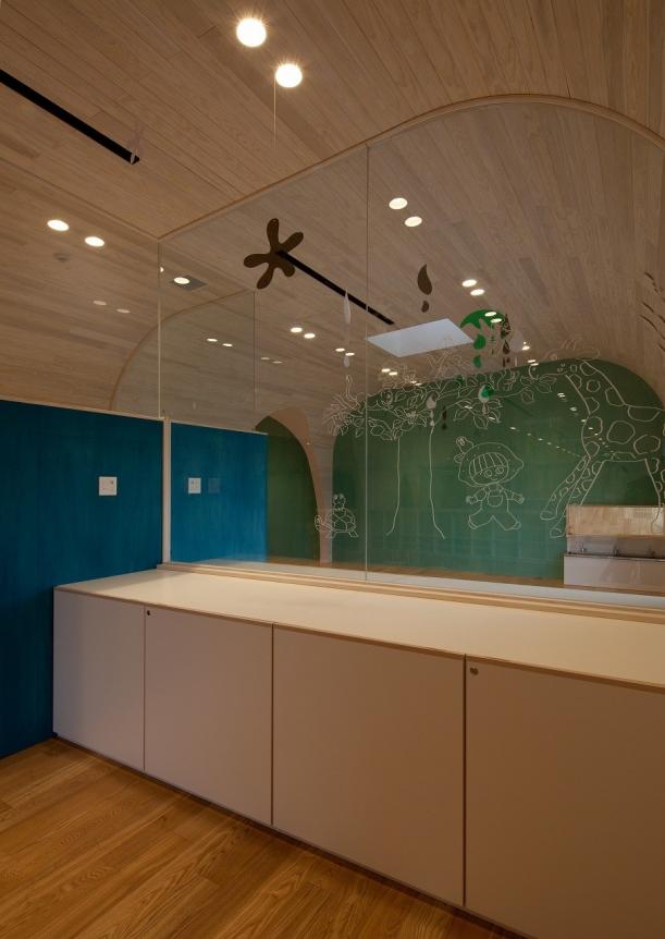 Další - Japonská školka od Archivision Hirotani připomíná jednu velkou prolézačku