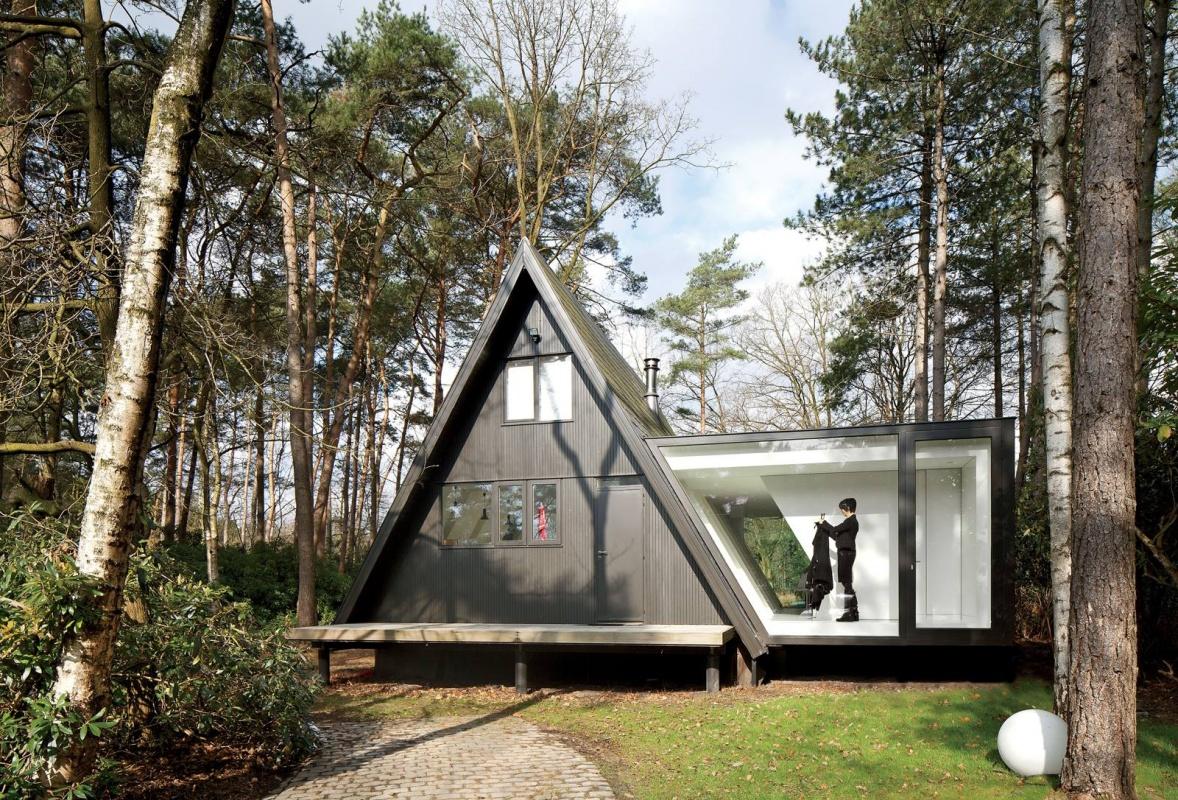 Skleněná přístavba v belgickém lese