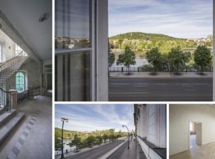 Osiřelý dům na Smetanově nábřeží zaplní design