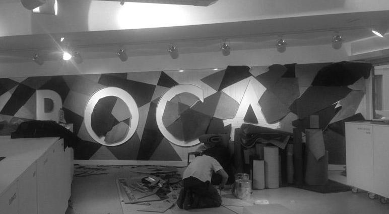 Obchod - Boca: Barevný nebarevný showroom