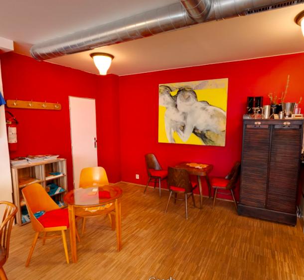 Bar / restaurace / café - Kavárna Nudný otec: Nejnudnější podnik na světě