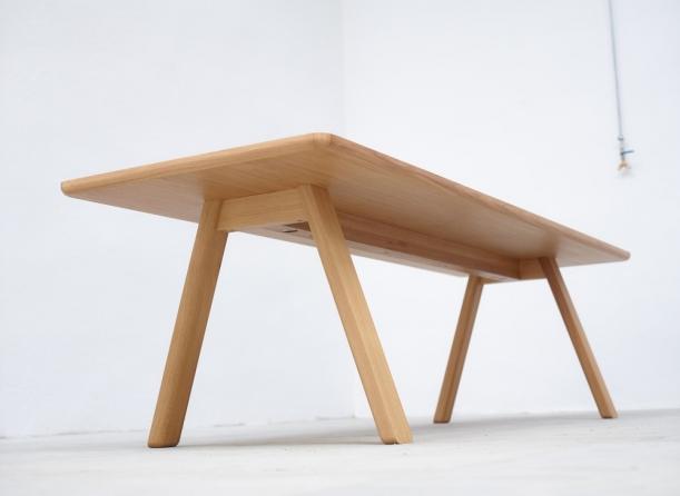 Výstavy - Dřevo ohýbané s dávkou elegance