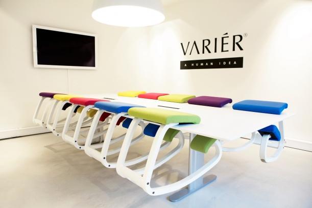Nábytek - Balans Variable Stool: Stolička, která vám umožní sedět, jak opravdu chcete