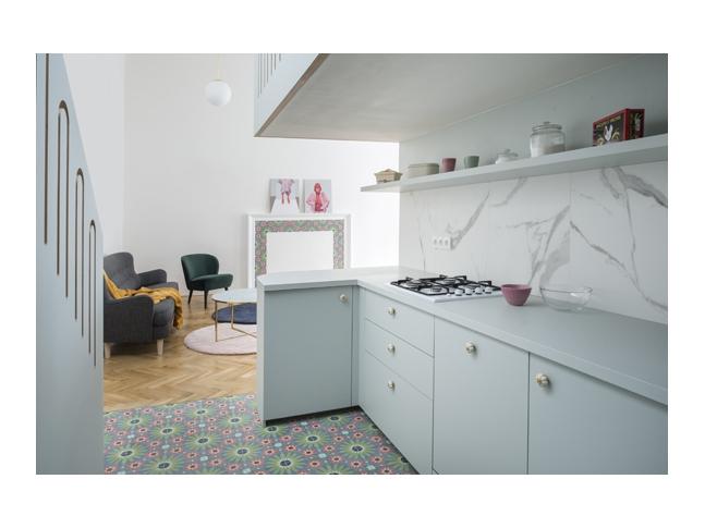 Na pavlači s lucernou - kuchyň
