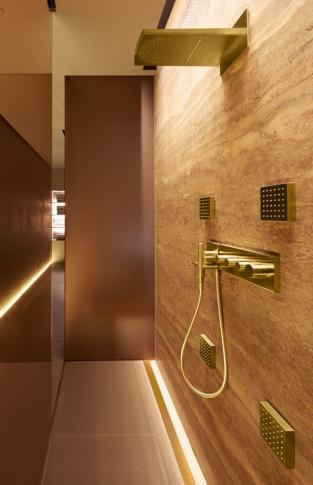Zlatá koupelna Axor