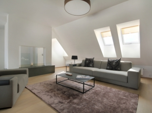 Obývací pokoj - byt na Praze 7