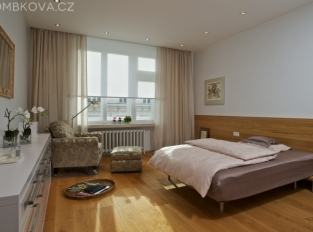 Byt po Adině Mandlové - ložnice