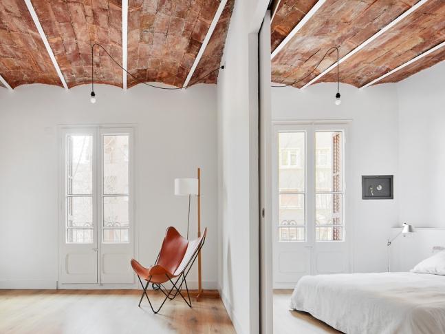 Rekonstrukce bytu v Barceloně - ložnice
