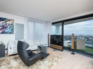 Mládenecký byt v Praze - obývací část