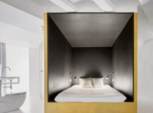 Zlaté krychle v centru dění - ložnice