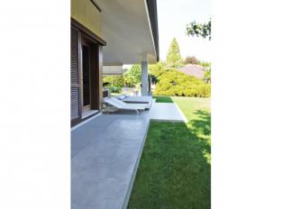 Terasa s betonovou podlahou Nuvolato