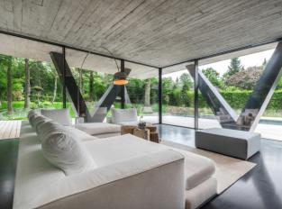 Obývací pokoj ve Villa NEO House