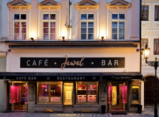 Jewel Café Bar