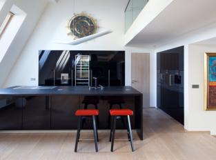 Kuchyň Poggenpohl v půdním bytě