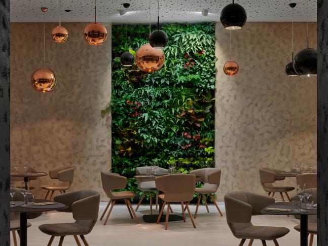 Kaskádové zahrady - Hotel Passage
