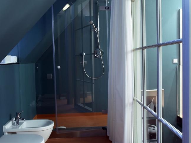 Byt v Haštalské ul. - koupelna