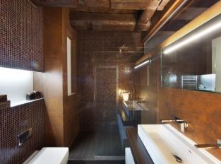 Rezavá koupelna