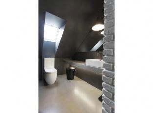 Půdní byt Krásova koupelna