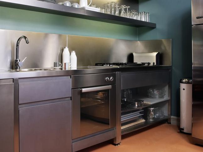 Byt v Haštalské ul. - kuchyně