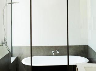 The Triplex Apartments - koupelna