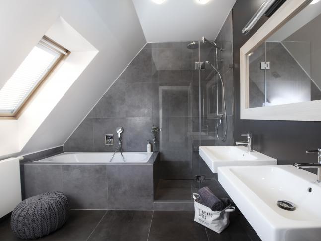 Půdní byt Bulharská - koupelna