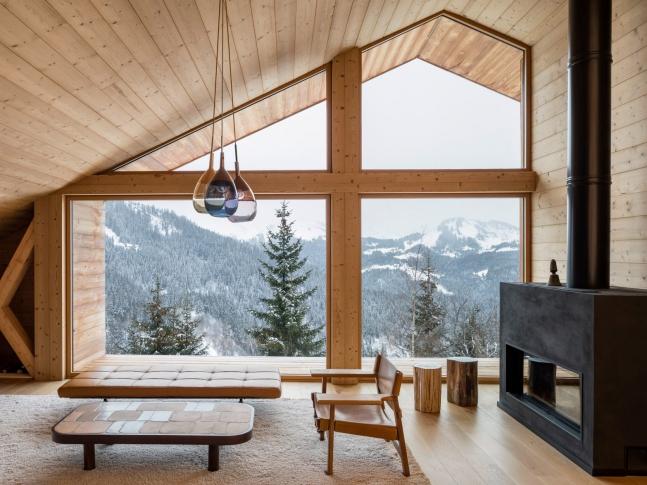 Alpine chalet - obývací část