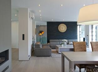 RD u přehrady - obývací pokoj