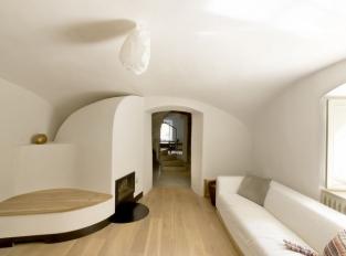A1 House /  obytná místnost
