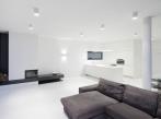 RD Černošice - obytný prostor Osvětlení obývacího pokoje přisazenými svítidly Ultra