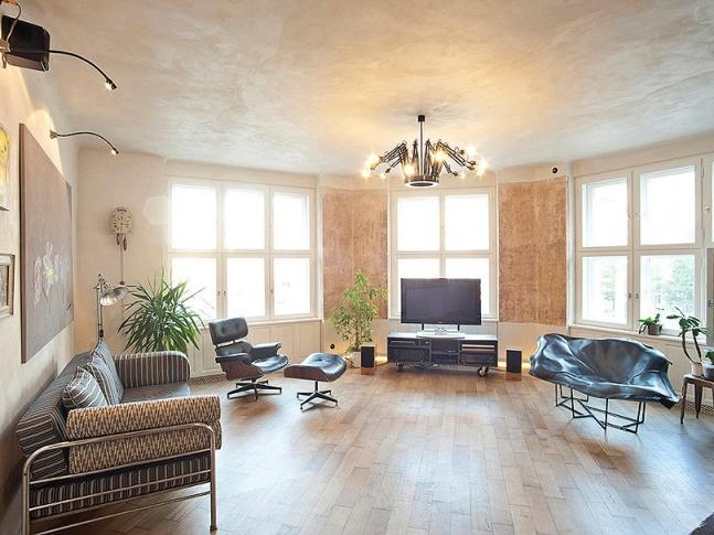 Byt pro milovníky umění - obývací pokoj Photo Saša Dobrovodský