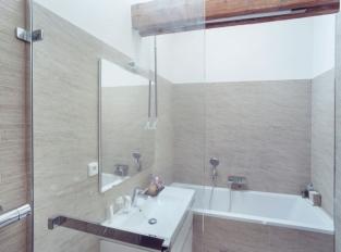 Půdní vestavba, Praha 5 - koupelna