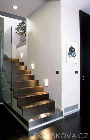 Byt v  Krakovské ulici - schodistě