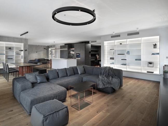 Betonový obývací pokoj