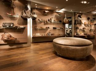 Dune London, Obchod s obuví