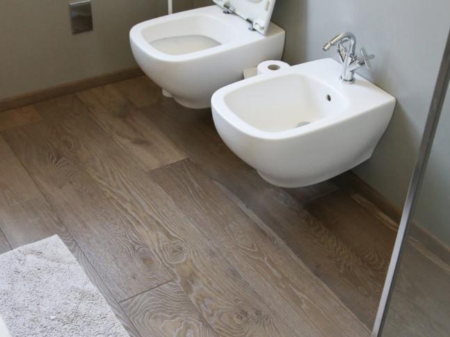 Toalety bytu v Itálii Snímek obrazovky 2020-09-28 v16.07.02